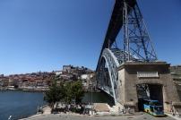 Vista da ponte D. Luís na zona da ribeira do Porto, 1 de agosto de 2014. JOSÉ COELHO/LUSA